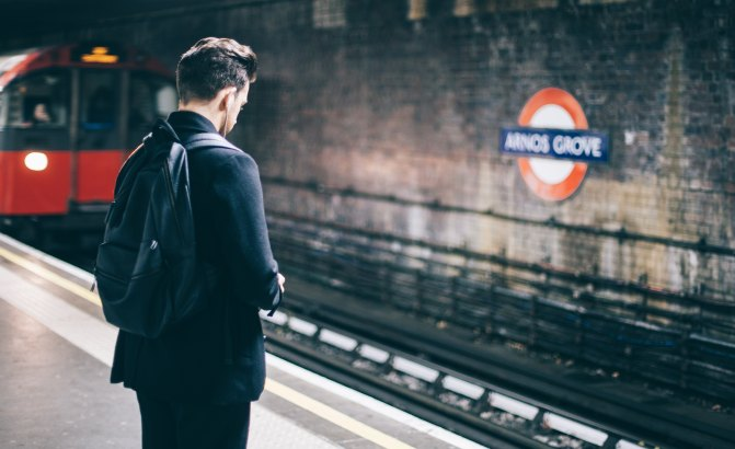 People who wear rucksacks on the tube to be handed on-the-spot fines